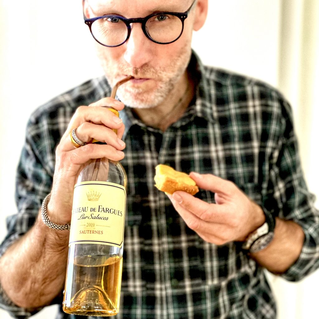 Thomas Curtius with a bottle of Sauternes