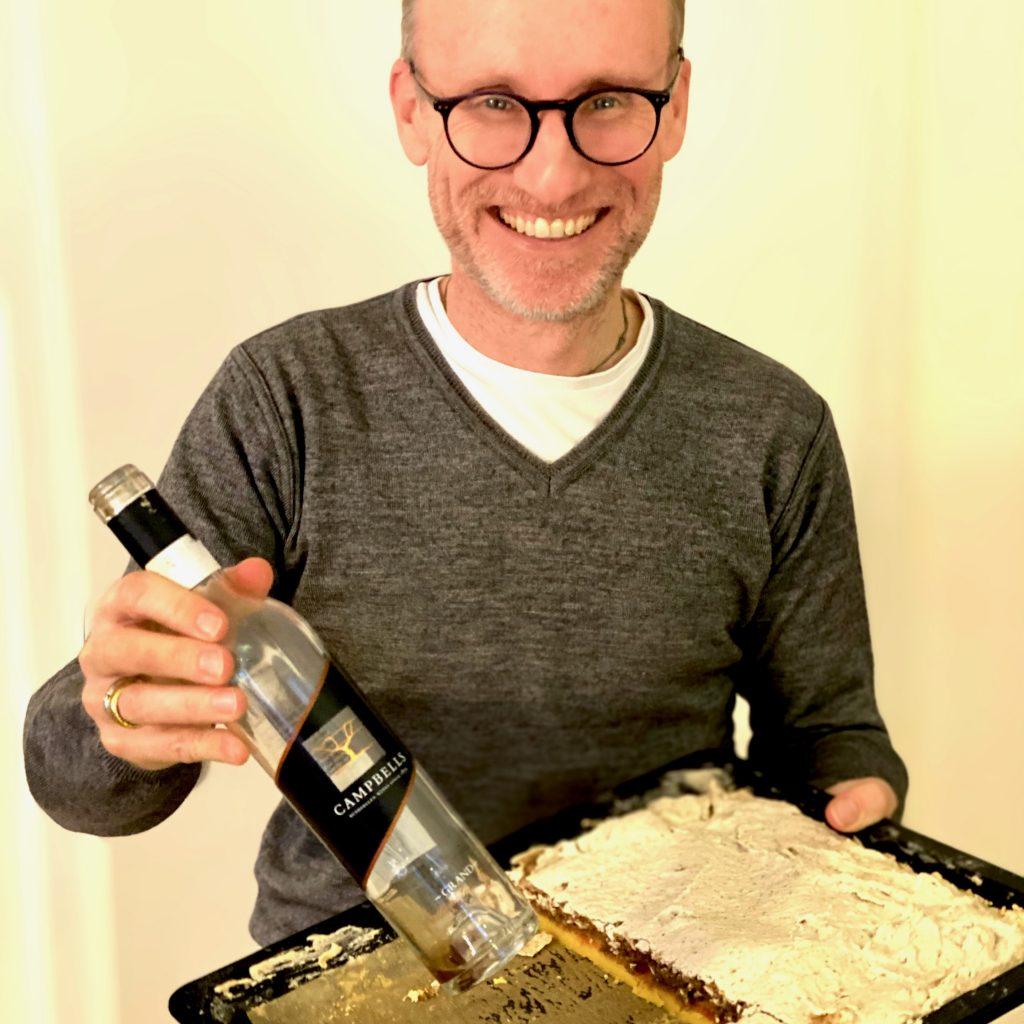 Thomas Curtius tastes sweet wine