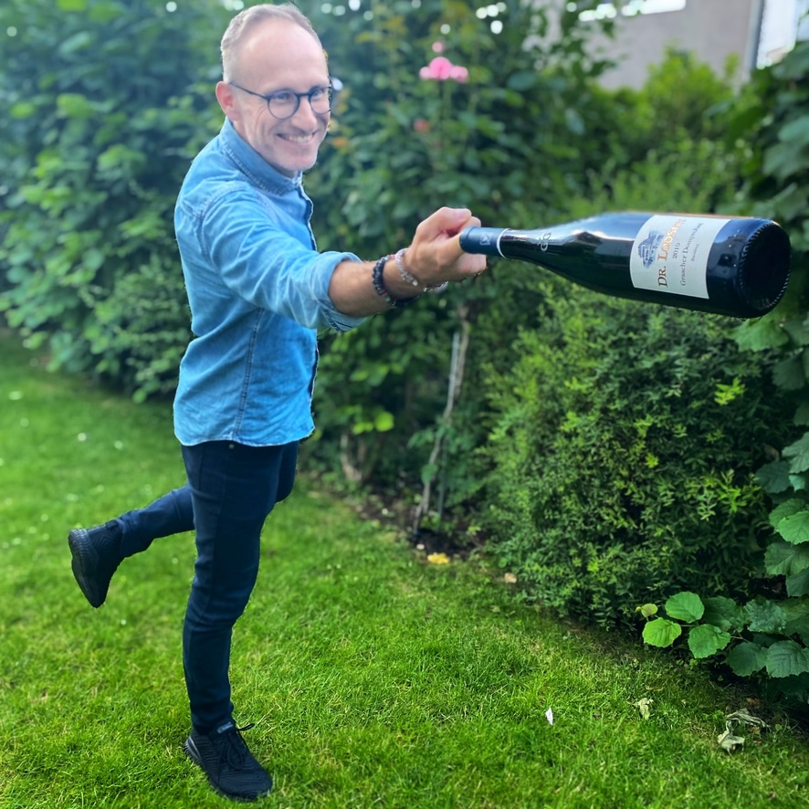 Thomas Curtius MW with Loosen Graacher Domprobst 2019